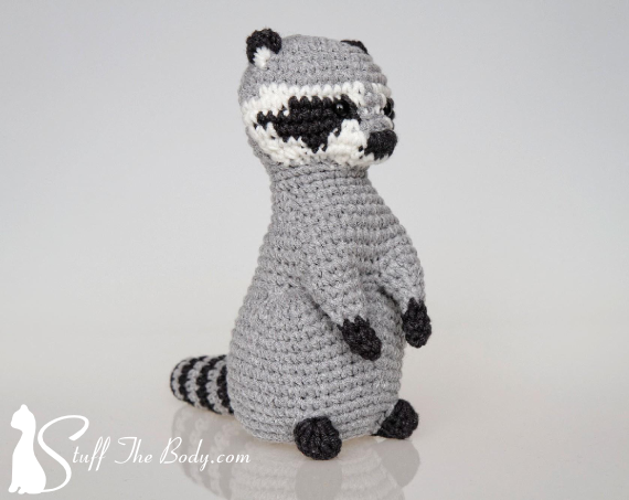 amigurumi pattern of raccoon