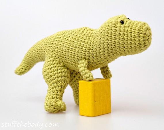 dinosaur amigurumi pattern