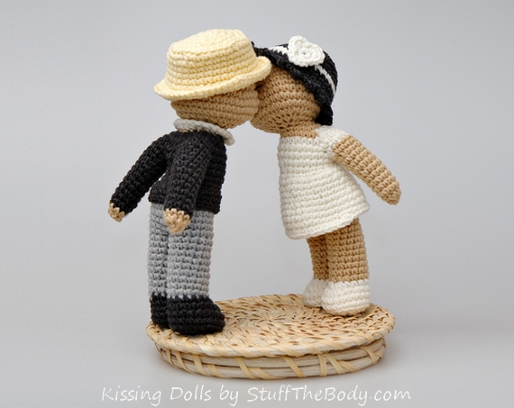 kissing dolls amigurumi pattern for wedding or bridal shower
